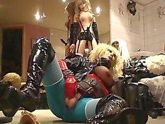 Roxina2010HyperHornyTranny250310XXL