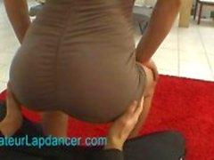 Amateur eksoottinen nainen lapdances ja tekee BJ