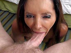Francesca Le does a deepthroat orall-service and rims his backdoor
