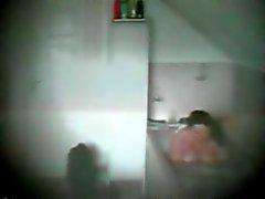 mijn vriendin in de badkamer deel 10 ( commentaar plz )