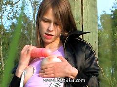 Activités de jardinage Beatas avec d'énormes toy