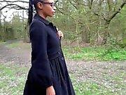 Ebony милашка Michelles общественности мигать и черные милашки наружной мастурбацией