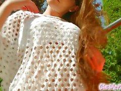 Give Me Pink - Erotische Zara reitet einen Dildo