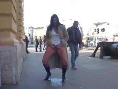Mädchen Pissen Jeans Öffentlich