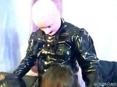 Latex Fetisch Slave hochladen