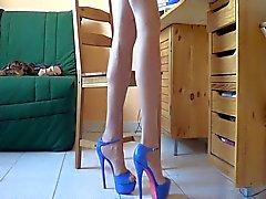 Новых синий каблуки