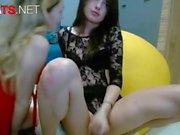 Big Cock Teen Shemale fickt ihre beste Freundin auf cam
