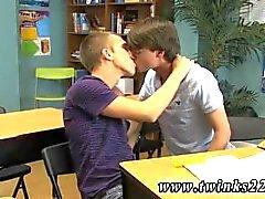Fem emo gay twink tubos primeira vez Jeremy e Patrick foram