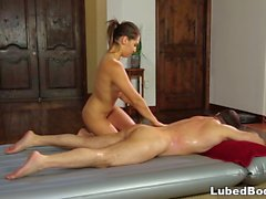 Sara Luvv makes a deal - NuruMassage