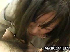 Makiko NAKANE geben - Japanische Mutter spreizte ihre Beine für einen harten Schwanz