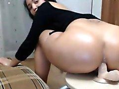 Big Butt Mütter Analdildo Reiten auf Stuhl