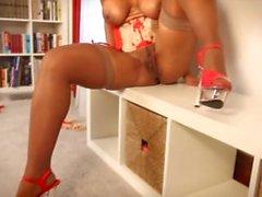 Raven Swallowz Sexy Ebony Striptease