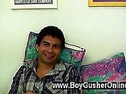 Calientes gay Tenemos saludamos de Justin a niño del Gusher . Él es de 21 años de seis