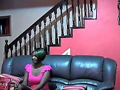 Lucky White Prick Scores Das heißeste junge Küken in Afrika