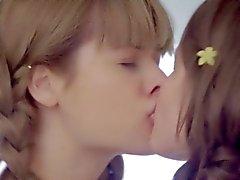 Российских подростки принцессы играете тайная любовь и питания телами
