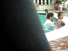секс общественном бассейне