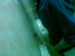 Spy partido universidade mictório / Espiando baños en fiesta universitaria