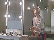 Анджелина Джоли и Элизабет Митчелл оба в полной мере обнаженная качестве