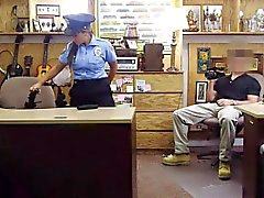 Big boobs latina agente di polizia scopare da cattivi tizio pedone