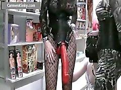 Kaksi Kinky MILF vitun jätkä hihna Part4
