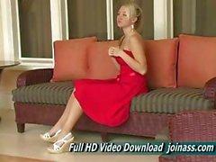 Los actos de Vestidos Rojos a Alison Angel A sexy como un modelo de moda