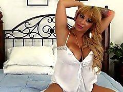Cumswallowing Alyssa de Lynn foré sur la webcam