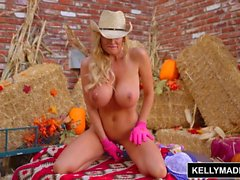KELLY MADISON Mouth Watering Titsgiving Cuntry Pie