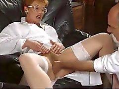 ruiva maduro enfermeira francês fodida por duas cacetes enorme
