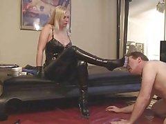 strapon - seduction met blond meisje