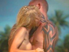 Verano en la playa tropical (vídeo de la pornografía)