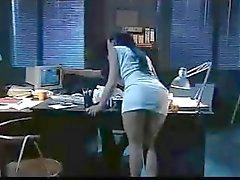 Dude knullar din läckra sekreterare