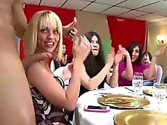 Любительская для вечеринок девочки отстой член CFNM стриптизерш
