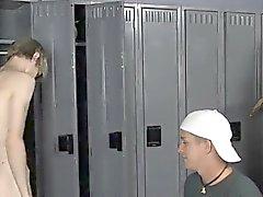 Alastomine miehineen jälkeen kuntosalille luokkatovereiden kiusata Preston Andrewsin hänelle mököttää