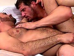 Große Stück den Arsch zuschlagend bärtig mature