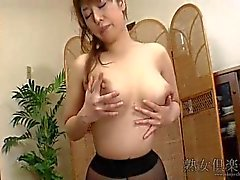 Naho Hazuki Ample Housewife Uncensored SC1