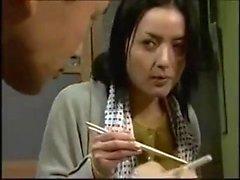 Japanische reife Milf Pov hart gefickt