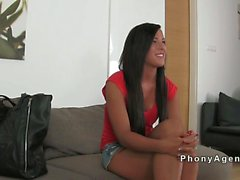 Beautiful tanned amateur babe fucks on casting