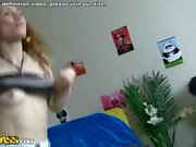 Los adolescentes bailando con Panda se convierten en una mierda loca