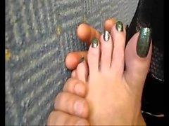 Solo lame los dedos de los pies
