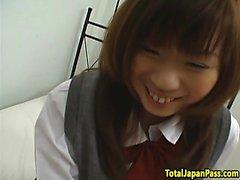 Busty oriental schoolgirl montando POV galo