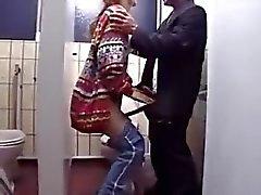 Babe gefickt in der Öffentlichkeit wwwcutegirlsonlinecom