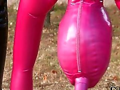Latex la tête en bas pipe