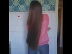 Super Long Haired Brunette, Capelli lunghi, Capelli