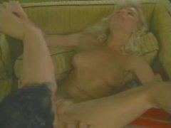 Victoria Paris Tianna Chessie Moore em video porno vintage