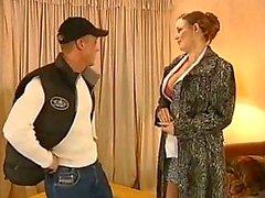 Красивые женщины Любительское порно с крупным сиськами любят анал