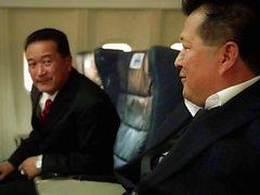 Asian Orgie auf einer Flugzeug mit Asa Akira