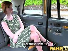 FakeTaxi cornée redhead tente les chauffeur sexe