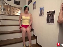 Yuka Wakatsuki tekee liiketoimintaansa WC: ssä,