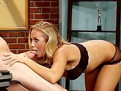 Blonde de Nicole Aniston