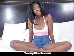 TeenyBlack - Горячие Ebony подросток Loves Просматривается трахая